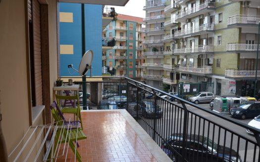 Appartamento Napoli vendesi vomero via Omodeo con posto auto