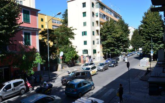 Vendesi appartamento 3 vani Napoli quartiere Vomero