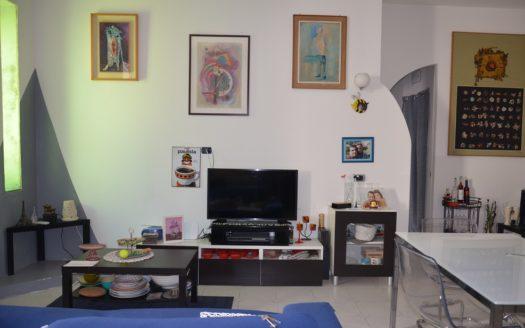 Vendesi appartamento 3 vani Vomero Napoli locato