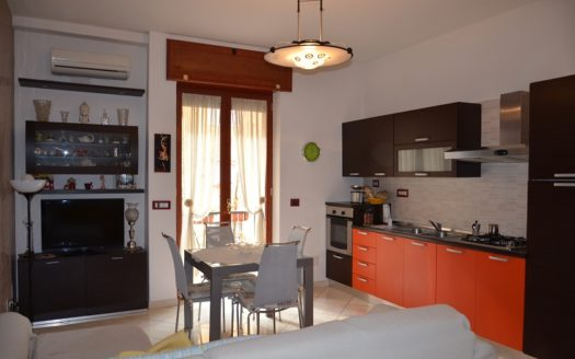 vendesi appartamento via Bernardo Cavallino Napoli