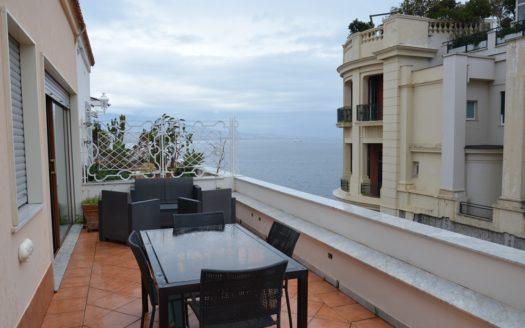 Fittasi appartamento con terrazzo Napoli chiaia