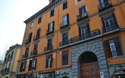 Vendesi appartamento 4 vani doppi accessori Vomero centro Napoli