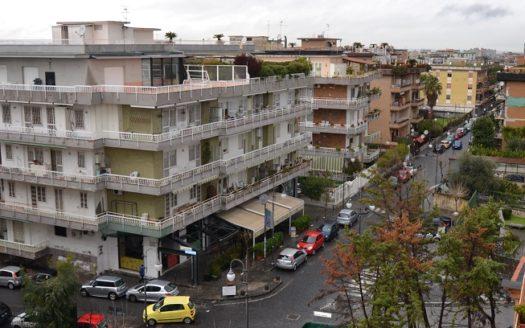 Vendesi appartamento con box auto Portici Bellavista 4 vani doppi acc