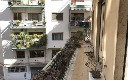Vendesi appartamento Napoli Chiaia 4 vani doppi accessori