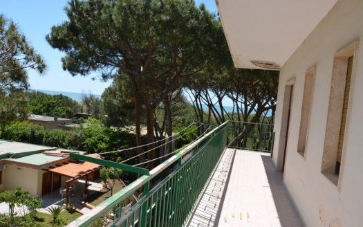 Vendesi appartamento in parco Baia Domizia 130 mq