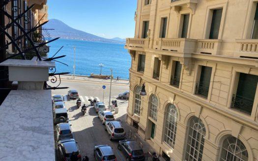 Affittasi appartamento via S. Lucia Napoli lungo mare