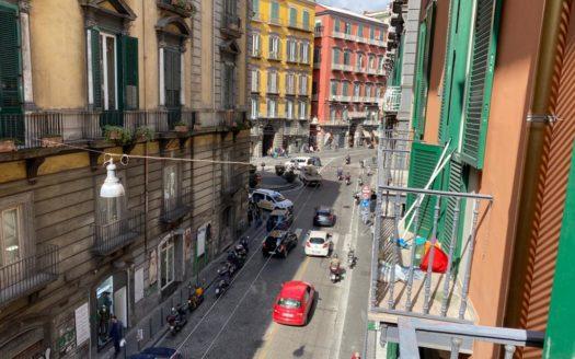 Monolocale arredato Napoli Centro comprensivo utenze