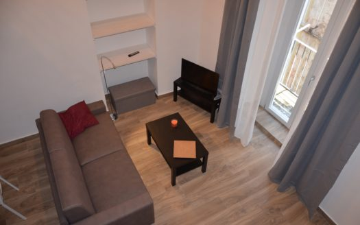 Fittasi appartamento arredato quartiere San Ferdinando via Toledo adiacenze