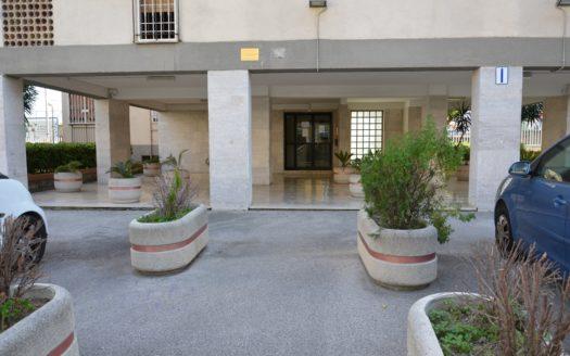 Fittasi appartamento 3 vani Napoli Viale Colli Aminei