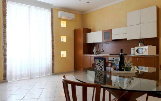 Appartamento ammobiliato Napoli nel centro del quartiere Chiaia