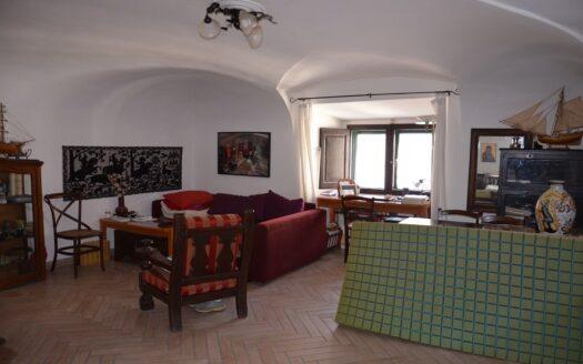 Vendesi appartamento Napoli Centro Storico adia. Via Toledo
